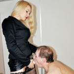 Smarting Arse with Mistress Eleise de Lacy